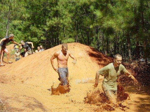 helping-a-friend-mud-run-obstacles