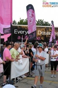 komen-3-day-walk-flag-carriers
