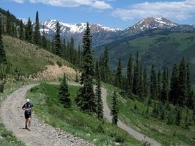 trail-running-in-crested-butte-by-NileGuide-dot-com.jpg