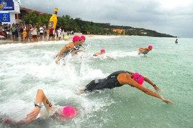 triathlon-open-water-swim-by-matt-coats.jpg